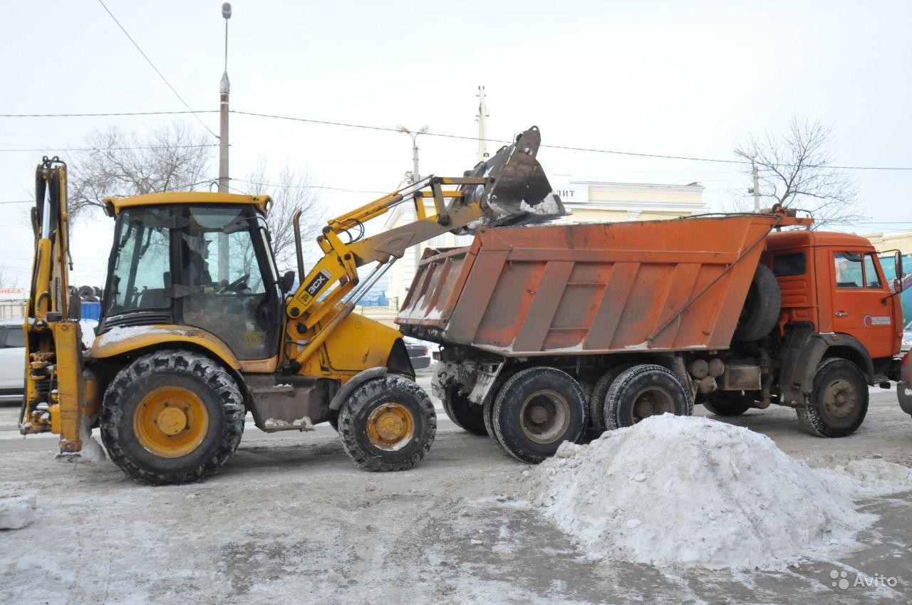 Уборка снега на территории дворов